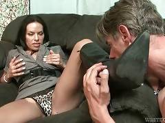 Pretty Tranny Likes To Get Her Body Worshiped 2